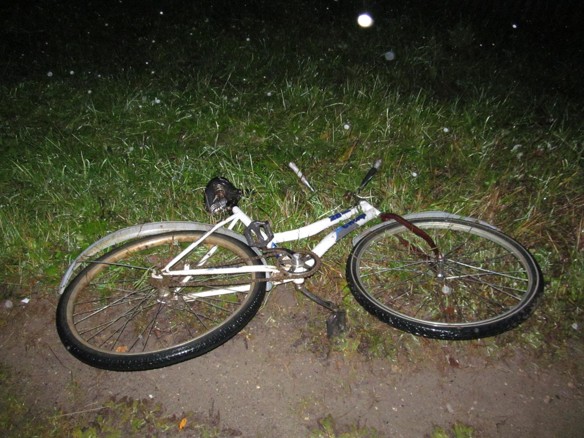 На автотрассе Сыктывкар-Ухта нетрезвый автомобилист на«ВАЗе» насмерть сбил велосипедиста