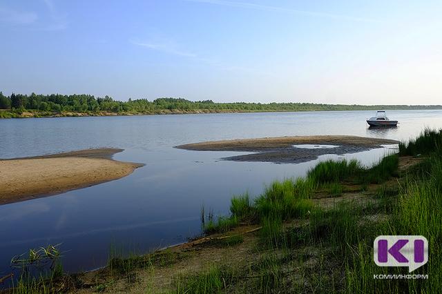 В Сысоле у поселка Краснозатонский обнаружили тело мужчины