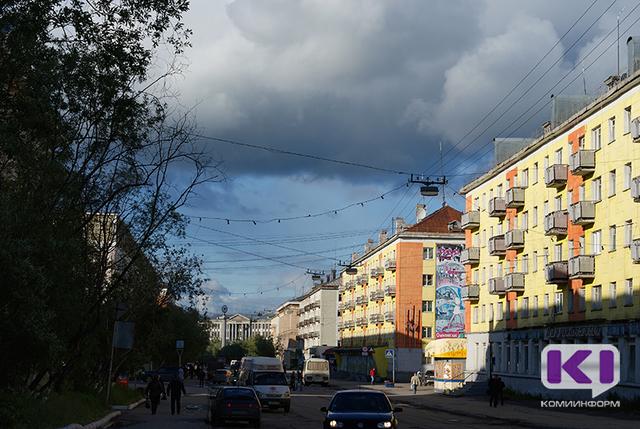 Воркутинка открыто похитила золотые серьги у 4-летней девочки