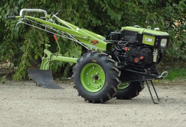 Трактор, мотоблок и снегоочиститель не привлекли коммунальщиков к конкурсу на лучшую УК