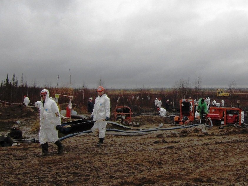 Последствия нефтеразлива под Усинском будут ликвидированы в течение трех недель