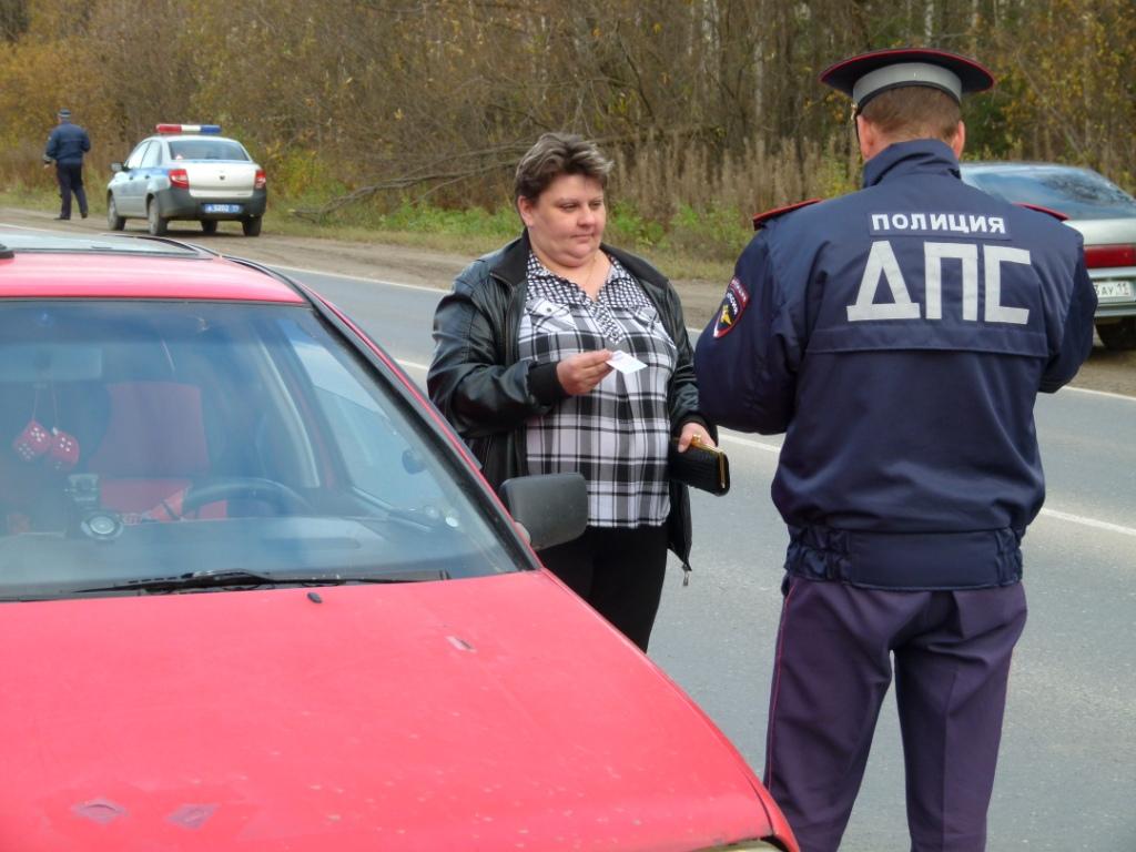 Госавтоинспекторы Ухты ловили водителей без прав, игнорирующих ремни безопасности и нетрезвых