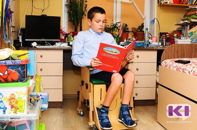 Спасти ребенка: маленькому сыктывкарцу Олегу Карманову нужен аппарат, который сможет поставить его на ноги