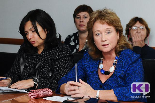 В Сыктывкаре обсудили права эмбриона и этические вопросы разных видов материнства