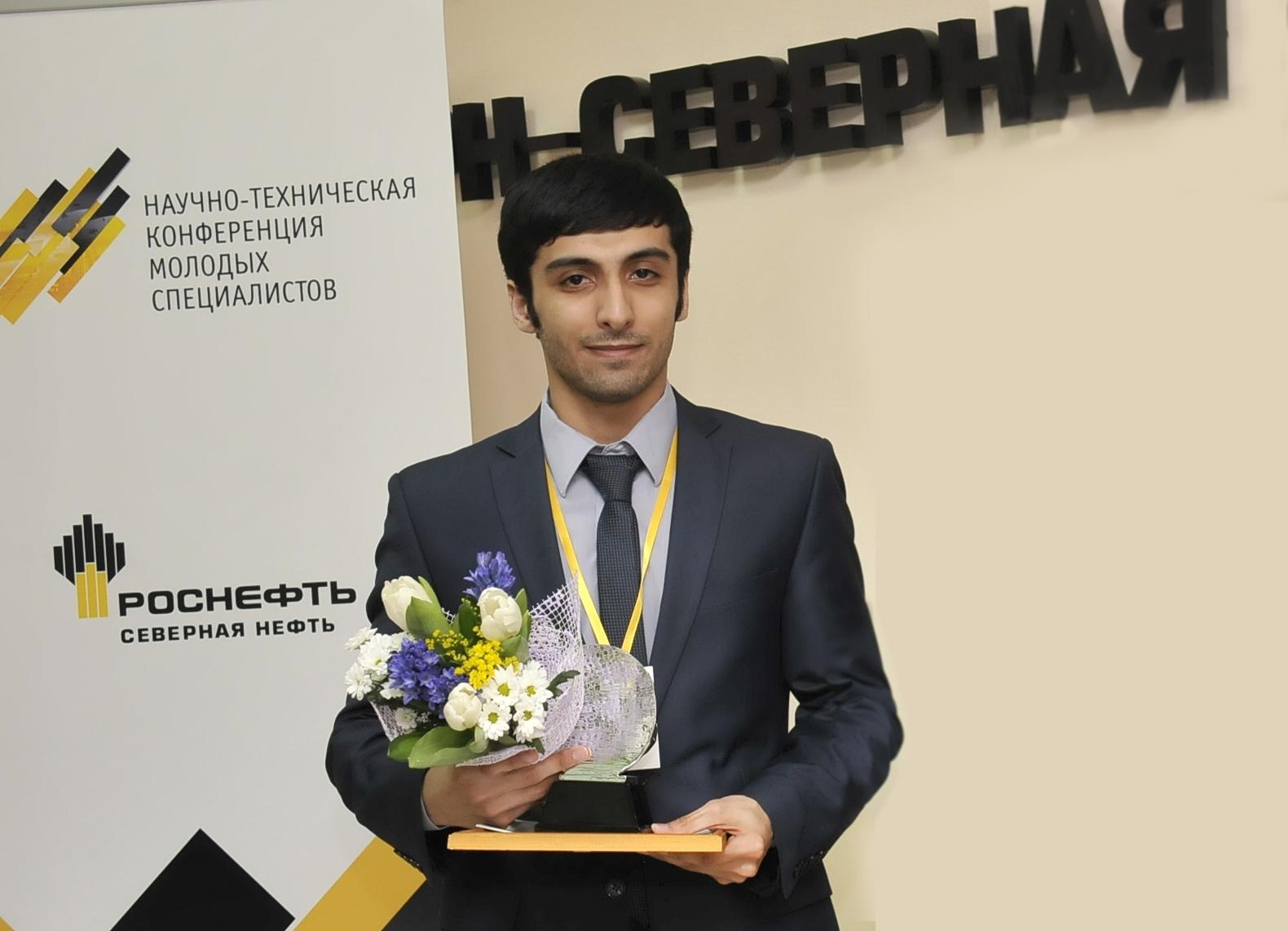 S.Gasanly-na-NTK-molodyh-spezialistov-RN---Severnaya-neft.JPG
