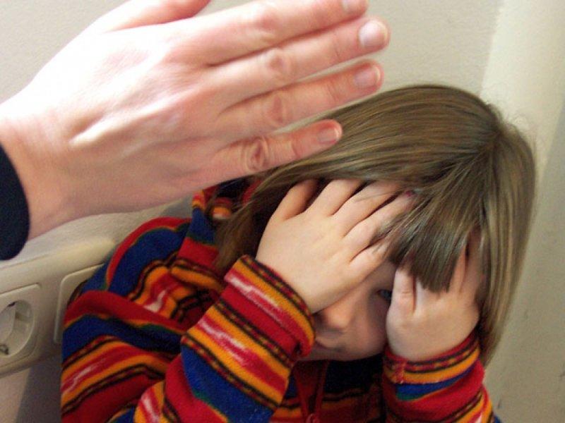 Опекуну из Усть-Вымского района вынесен приговор за систематические истязания ребенка