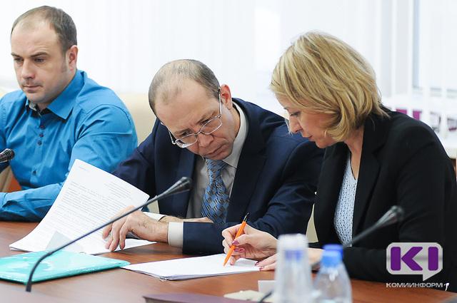 Жители Коми с января 2017-го смогут круглосуточно жаловаться на УК по горячей линии