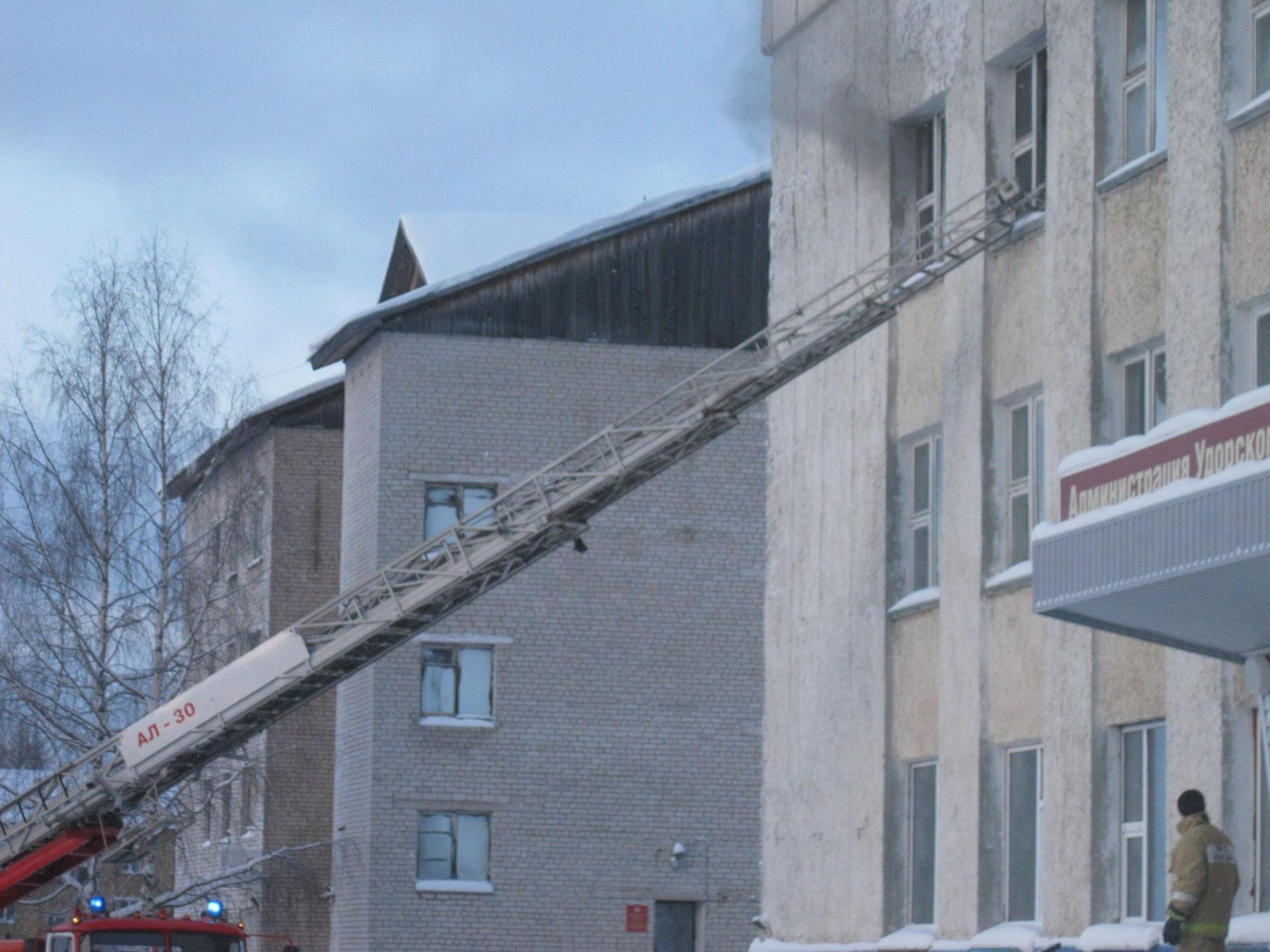 Из-за замыкания в электрощитке пострадала администрация Удорского района