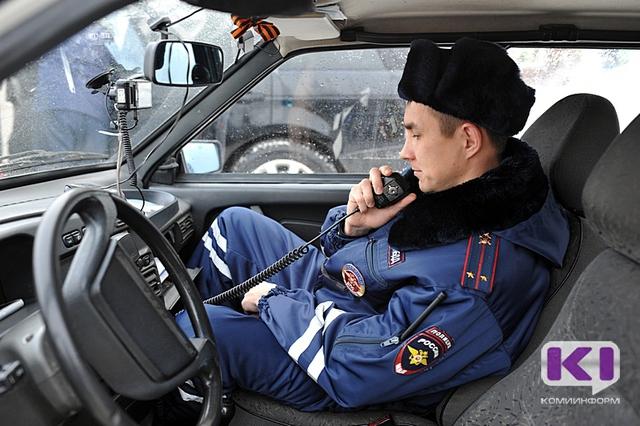 """Водителям-правонарушителям из Коми не удастся """"откупиться"""" взяткой в салоне автомобилей госавтоинспекции"""