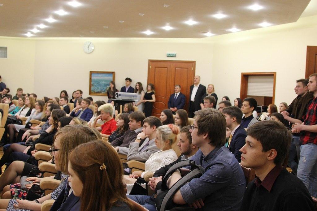 Глава Коми поздравил студентов из республики, обучающихся в Москве, с наступающим Новым годом