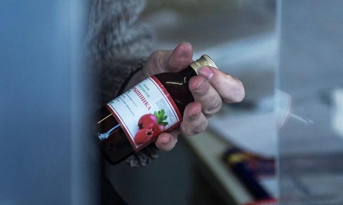 Роспотребнадзор арестовал неменее 4 тыс. литров запрещенных непищевых жидкостей соспиртом