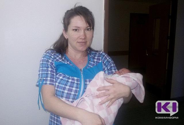 В Сыктывкаре первый новорожденный 2017 года  стал третьим ребенком в семье