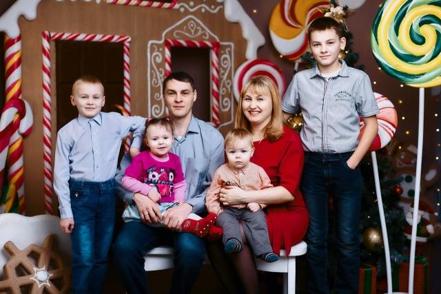 Легко ли быть многодетной: семья Мишариных из Сыктывкара поделилась опытом семейного счастья