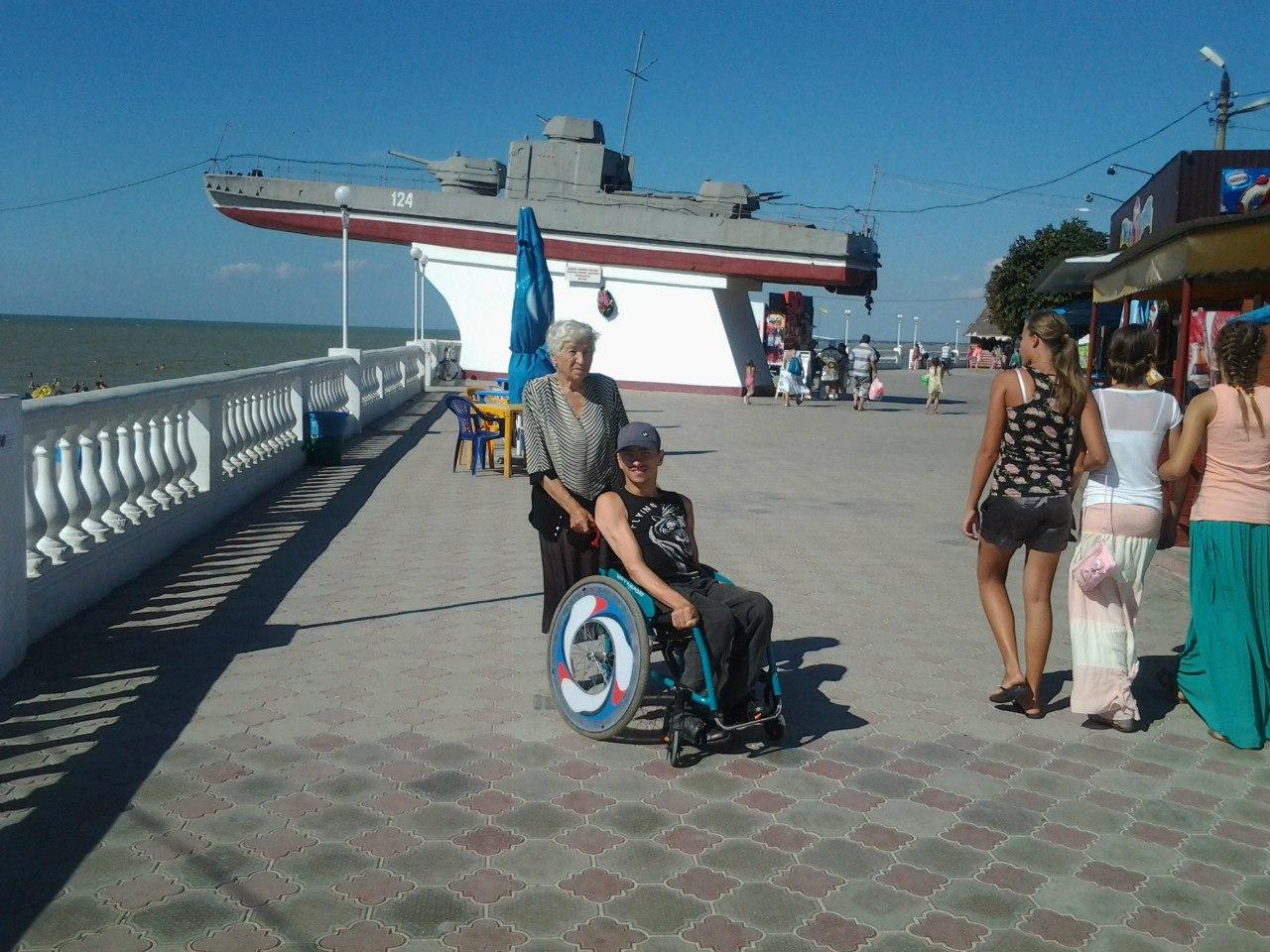 """Переехавший на юг сыктывкарец с инвалидностью Роман Нейфельд: """"Потеряв коляску, рискую остаться без движения"""""""