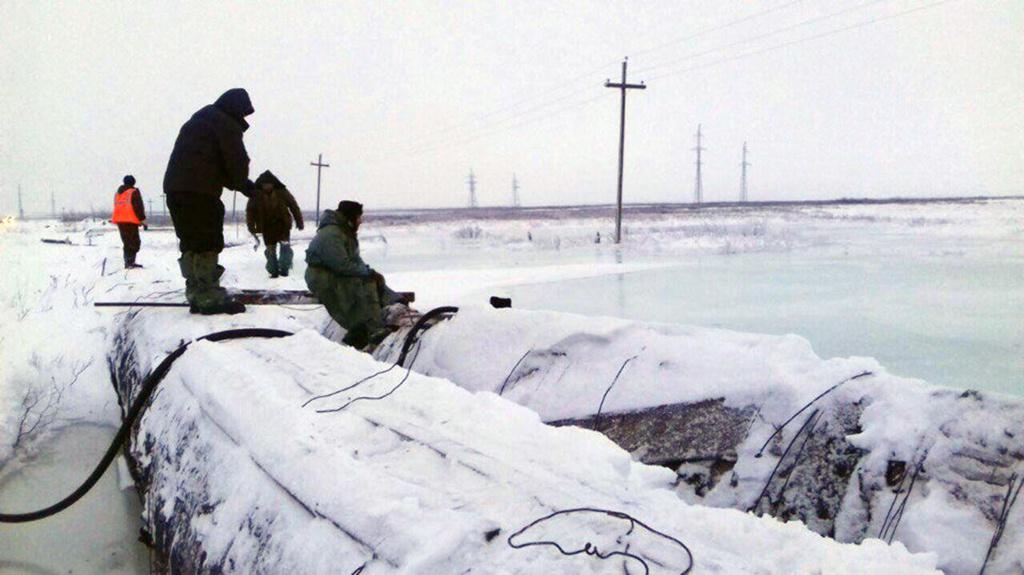 Аварийно-восстановительные работы на Усинском водоводе приостановлены до весны