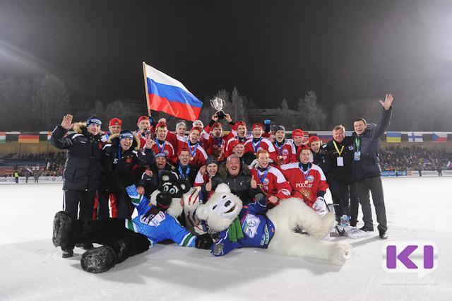 В Сыктывкаре сборная России стала лучшей в мире по хоккею с мячом среди юниоров