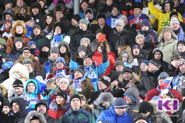 Юниорское Первенство мира по хоккею с мячом вернуло сыктывкарских болельщиков на трибуны