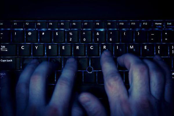 Насильники из-за рубежа совращают детей из Коми в социальных сетях
