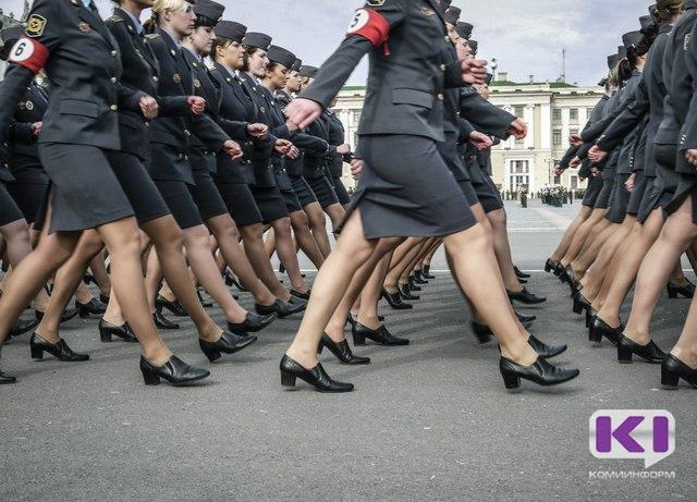 Пять женщин из Коми отправились на контрактную службу
