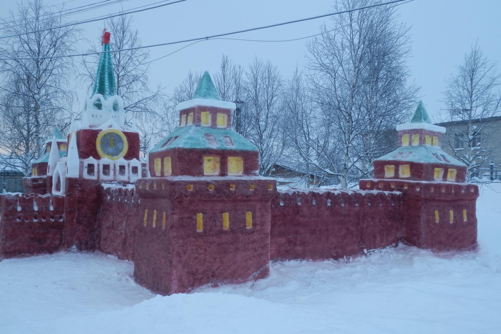 2.-Sneg-na-sneghnuyu-kompoziziyu-sobirali-s-territorii-blizleghaschih-uchastkov.jpg