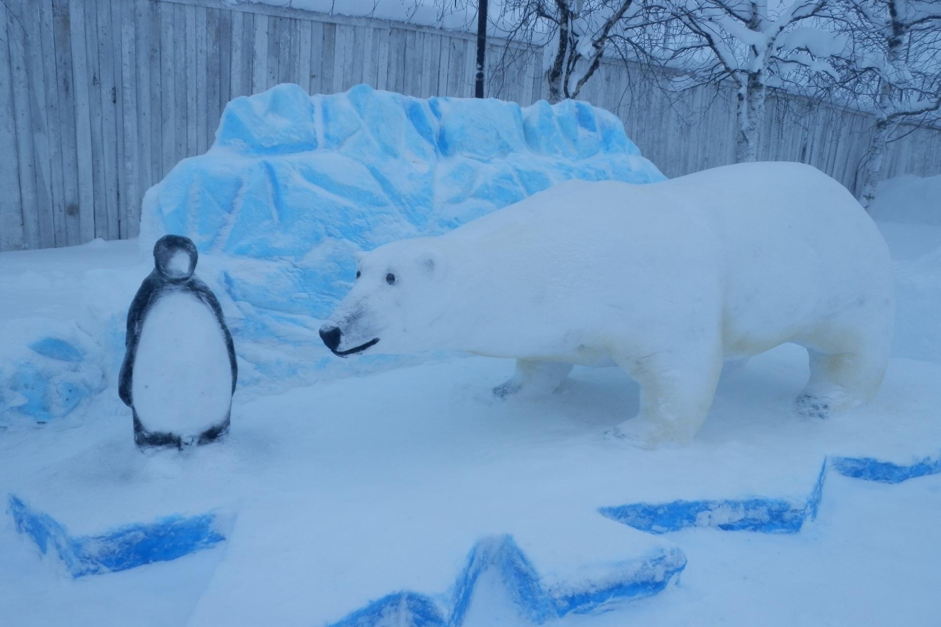 4.-A-takghe-pingvina-s-belym-medvedem.jpg