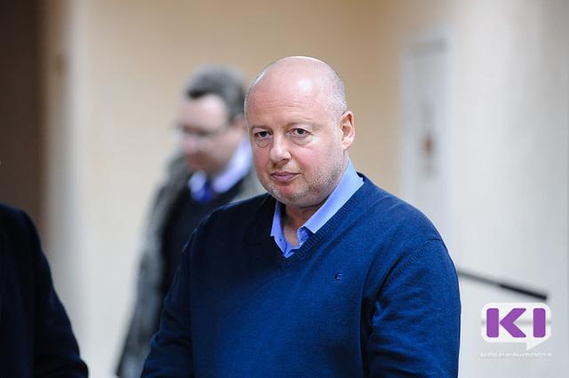 Суд приговорил Александра Уманского кдвум годам лишения свободы