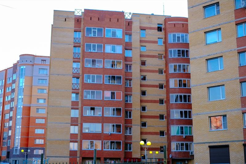 В Сыктывкаре семья с детьми из-за долгов может лишиться единственного жилья