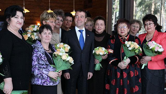 Национальная стратегия в интересах женщин – подарок от премьера к 8 Марта