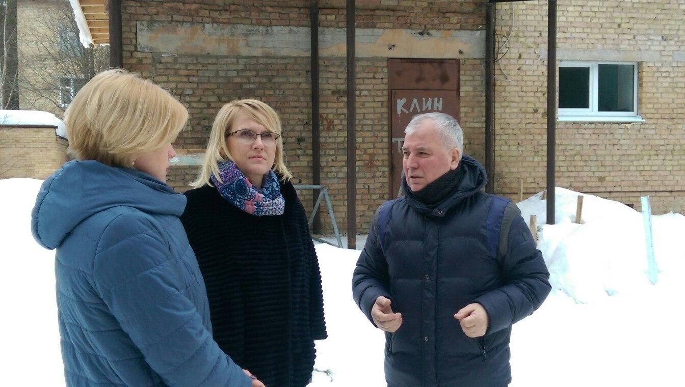 Наталья Михальченкова призвала ухтинских коллег найти возможность войти в федеральную программу по капитальному ремонту школ