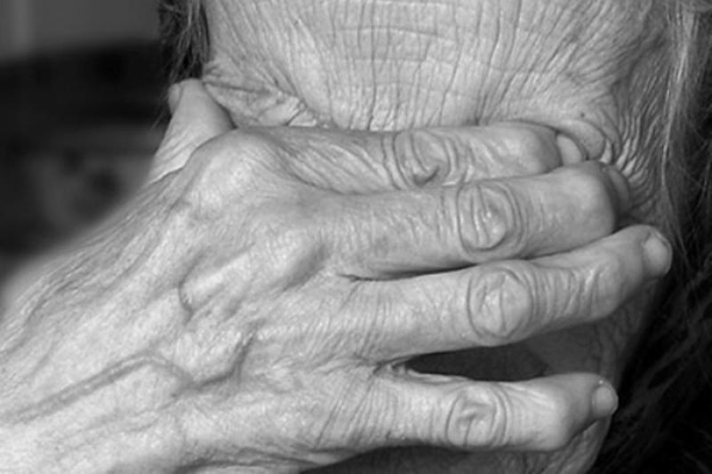 К 300 часам осужден сыктывкарец, обворовавший свою бабушку