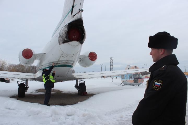 В Коми арестовали самолет