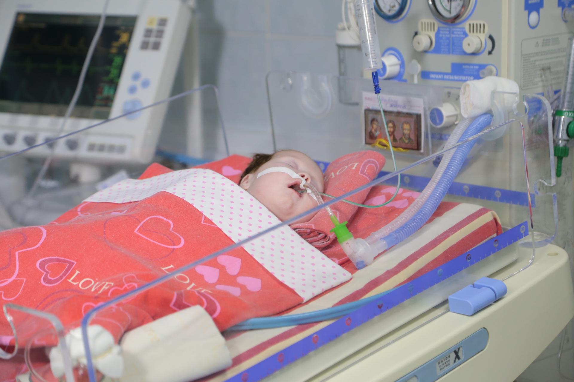Маленькая Дарина Иванова с редким генетическим заболеванием продолжает получать помощь