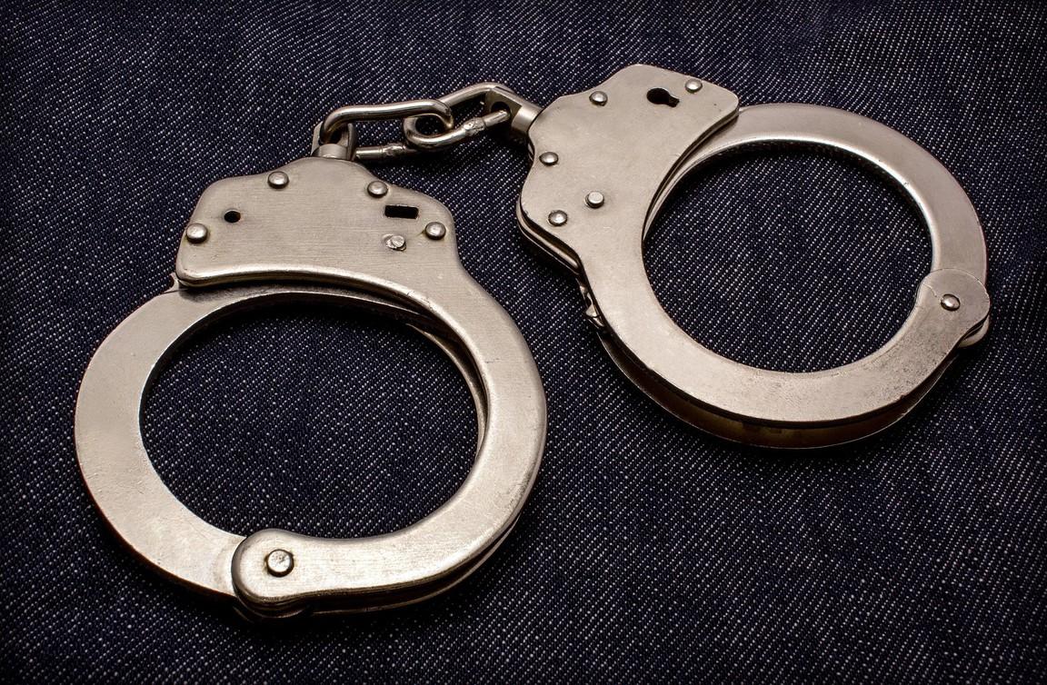 Хватит на всех. Нацполиция  Украины купила более 2 тысяч наручников на 2 миллиона
