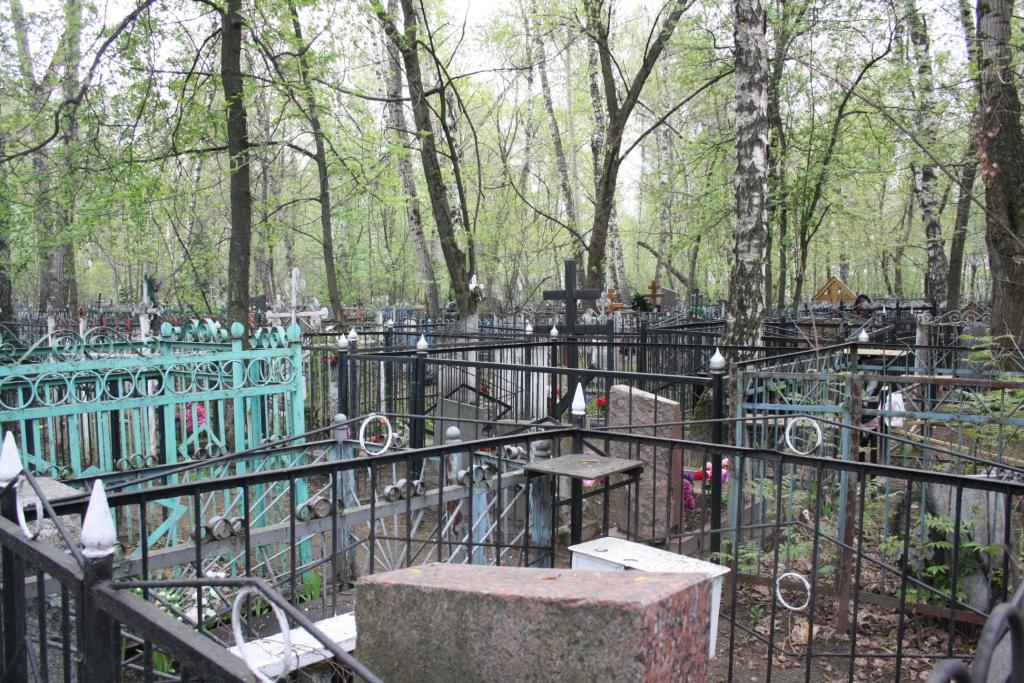 В год экологии местным властям предписали навести порядок на кладбищах