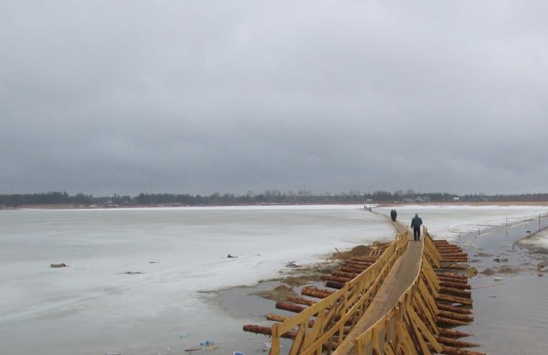С 20 апреля будет закрыта пешеходная переправа через реку Вычегда в районе м.Алешино