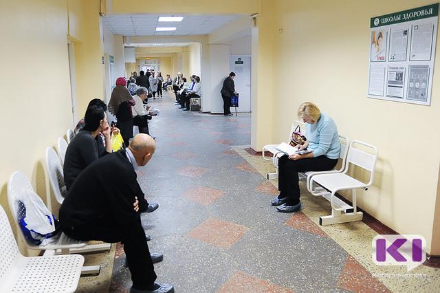 Ухтинец привез жену в больницу и умер в коридоре