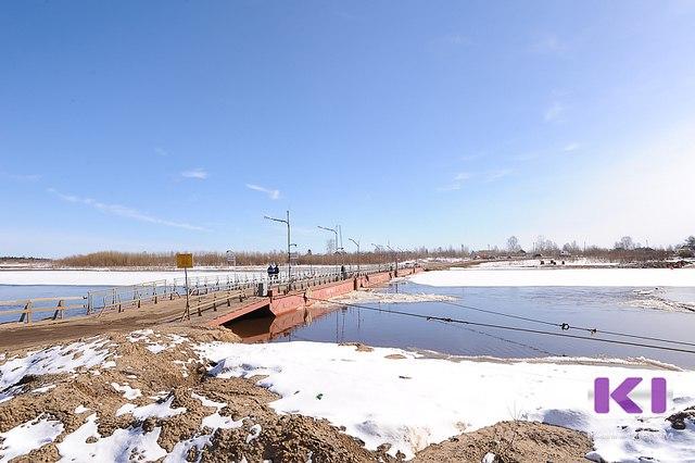 В связи со стремительной подвижкой льда на реке Сысола сегодня будет демонтирован понтонный мост