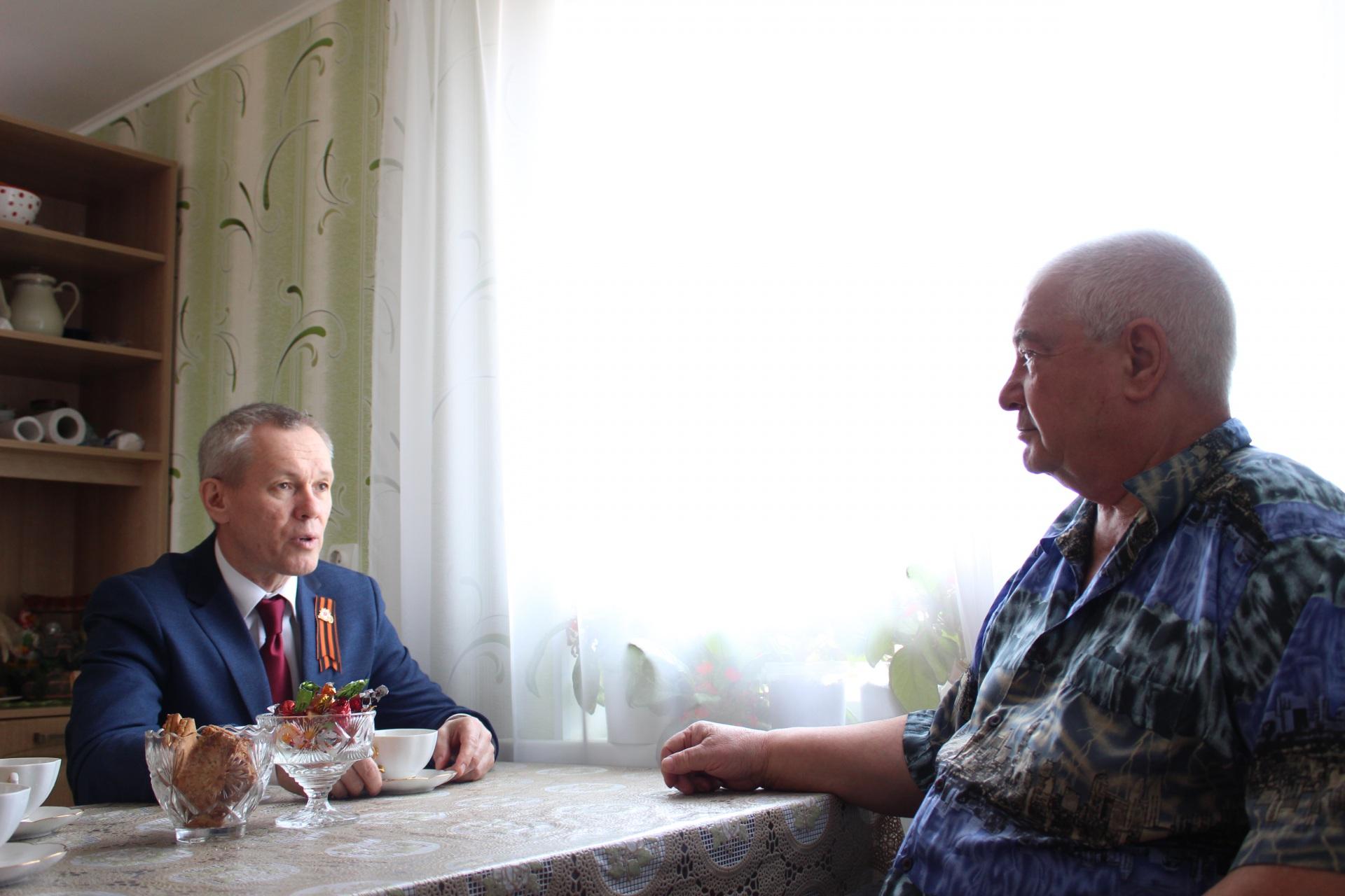 Пожилые люди в Коми получают юридические консультации на дому