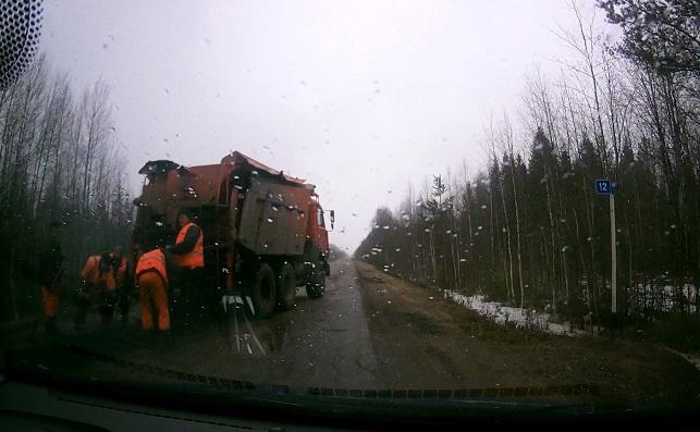 На основании выявленного активистами ОНФ в Коми факта укладки асфальта в снегопад Минстрой региона начал проверку