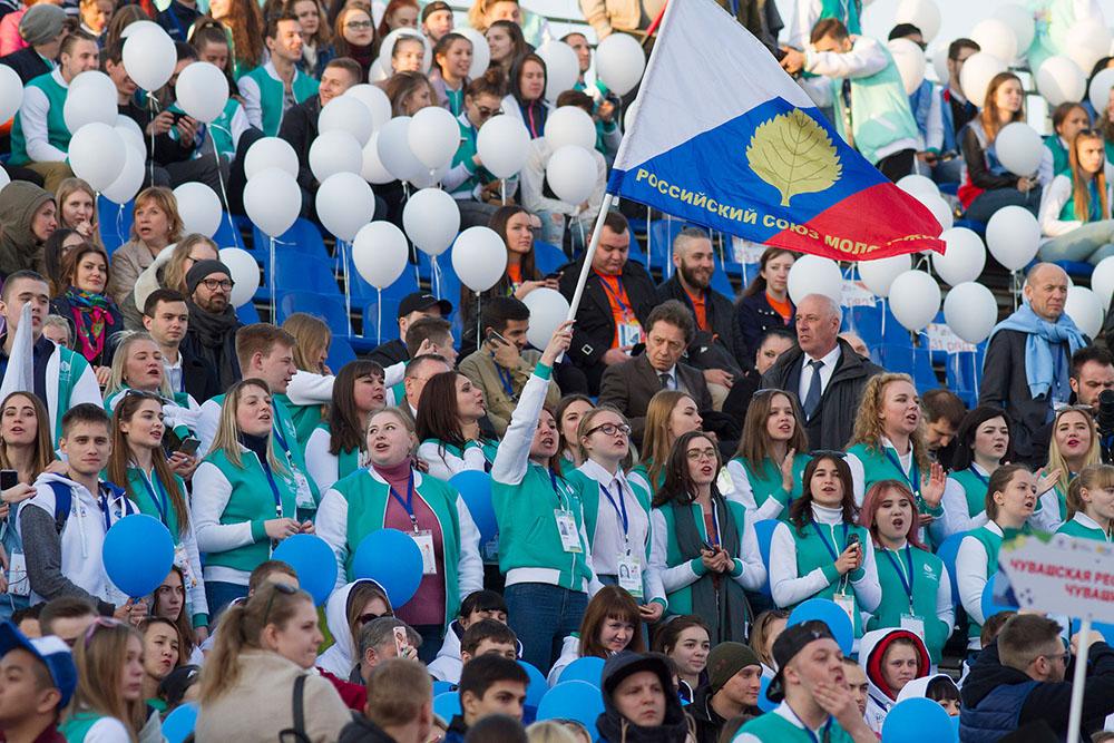 Глава Коми поздравил участников юбилейного XXV Всероссийского фестиваля