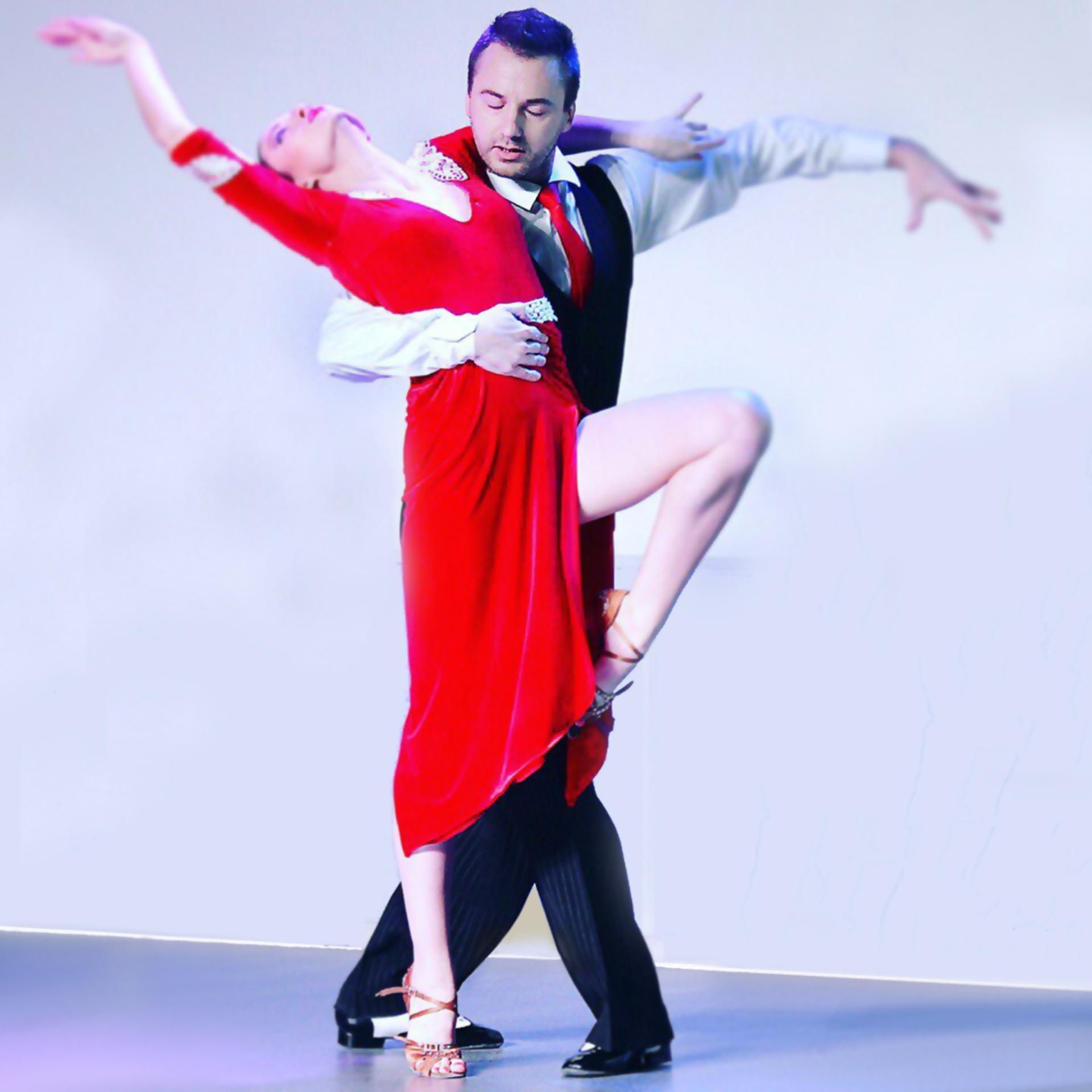 Rosneft-zaghigaet-zvezdy---Argentinskoe-tango.jpg