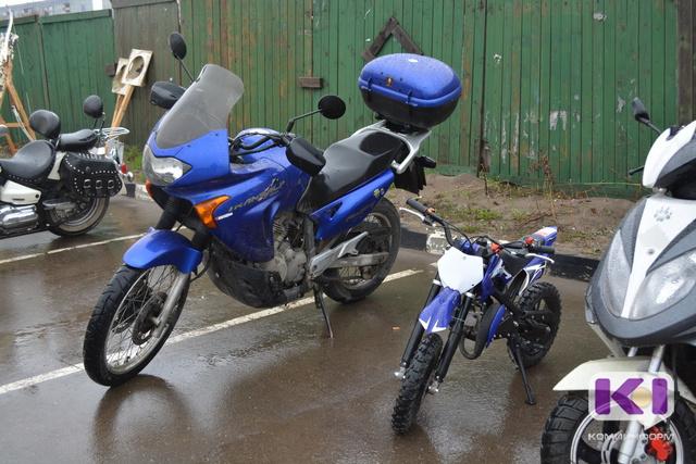 Цены на перевозку вело- и мототранспорта через реки Коми колеблются от нуля до 150 рублей