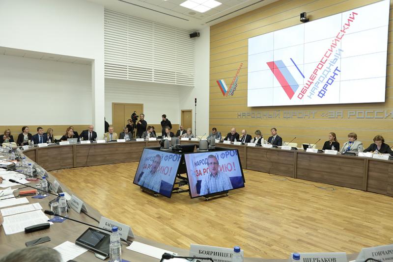 Активисты ОНФ в Коми выступили за пересмотр подхода к оплате труда медработников
