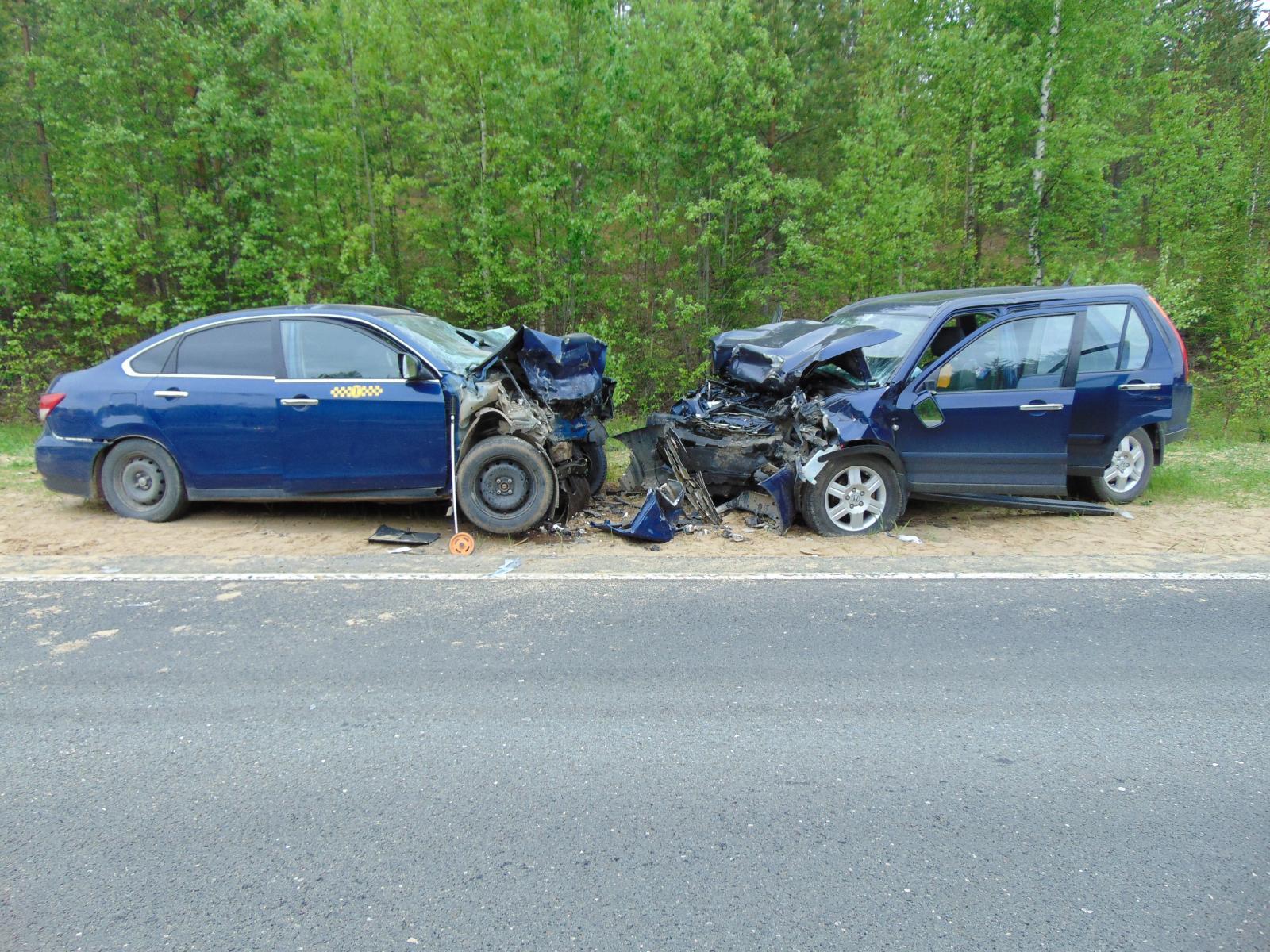 Троих пострадавших в страшном ДТП под Усть-Куломом транспортировали в Сыктывкар