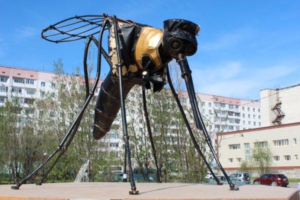 В Усинске нарядили комара