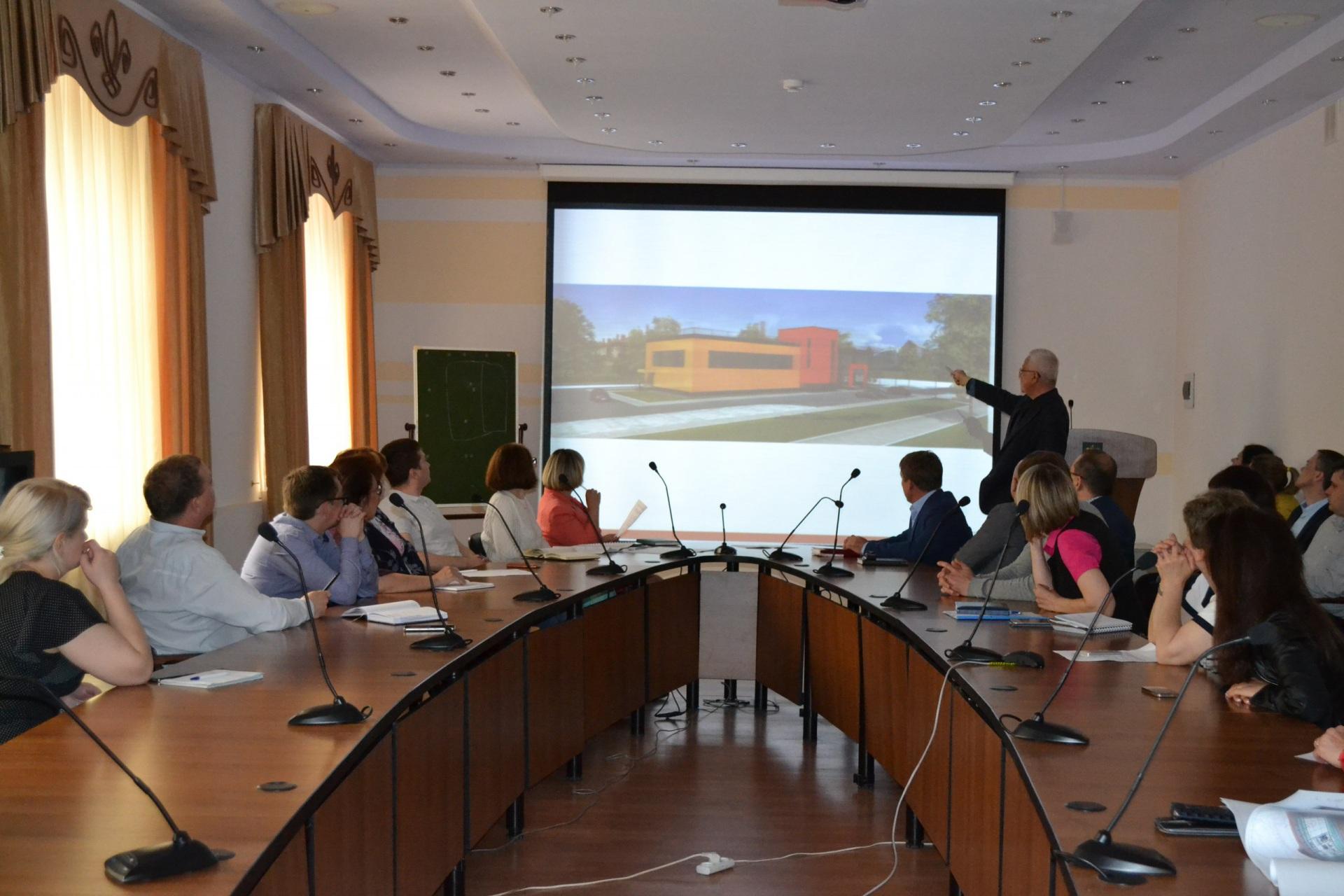 Жителям Выльгорта предложили высказаться о строительстве спорткомплекса в центре села