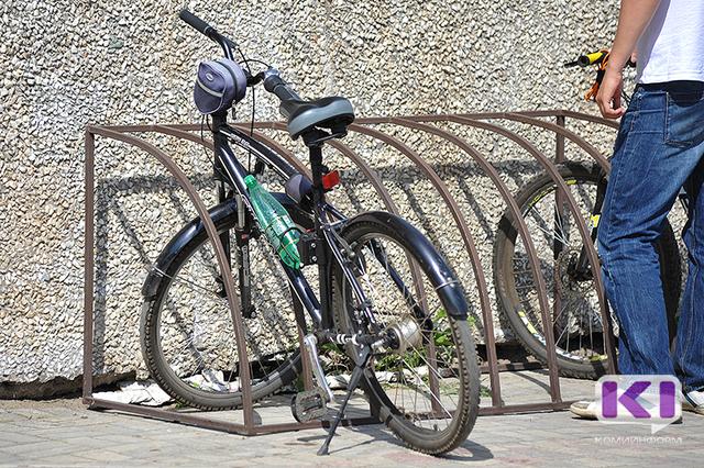 В Печоре пострадал велосипедист, не спешившийся с транспорта