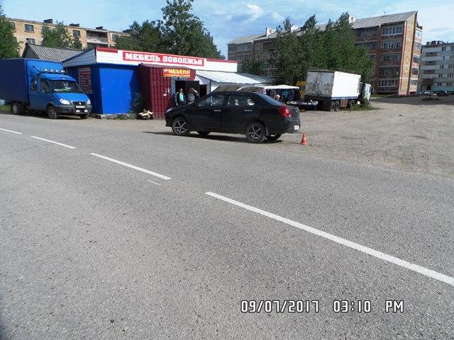В Нижнем Одесе под колеса попала 80-летняя пенсионерка