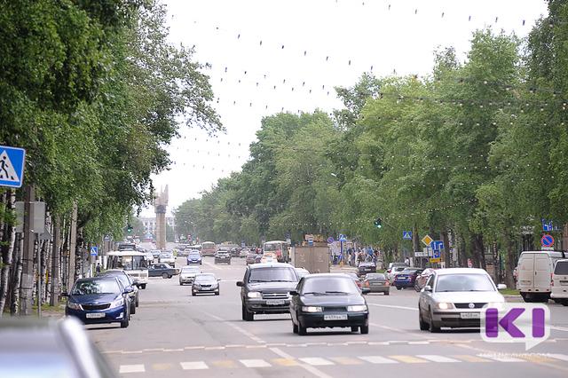 В Сыктывкаре до 31 июля покрасят ограждения вдоль ул. Коммунистической