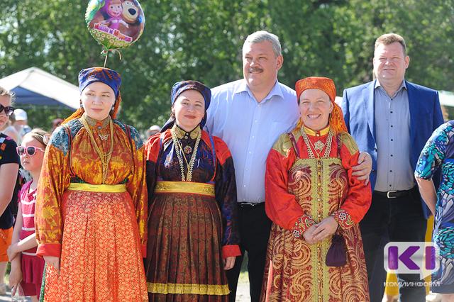 Глава Коми Сергей Гапликов поздравил Усть-Цильму с 475-летием